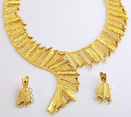 How to determine if a necklace is real gold